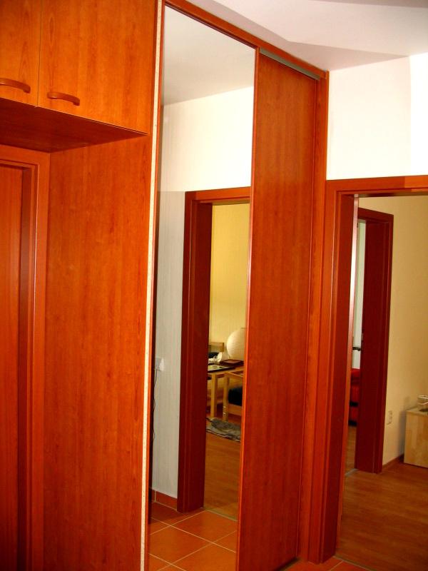 skrine-b-01.jpg