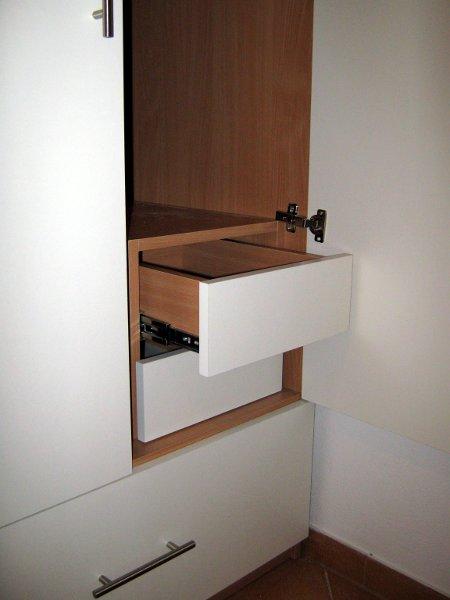 skrine-g-02.jpg